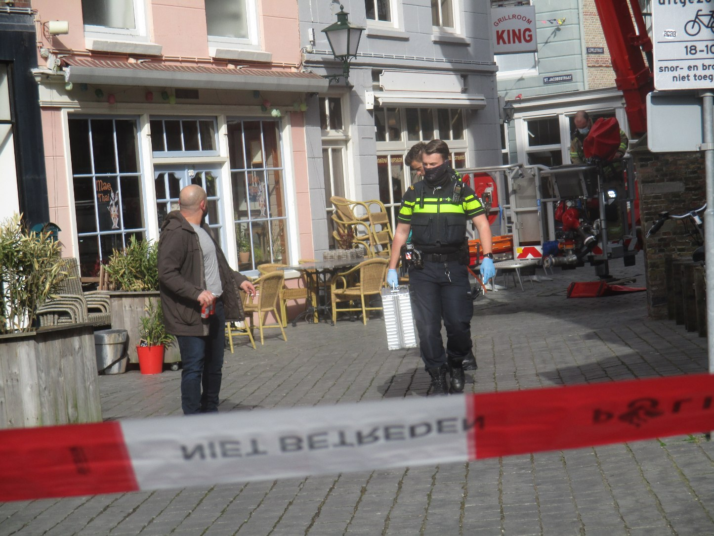 Brandweer haalt gewonde persoon uit woning Oude Markt - 112 Vlissingen & Souburg